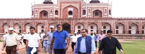 'Fit India': Prahlad Singh Patel leads morning walk at Humayun Tomb
