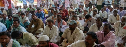 Farmers stages protest dharna against shifting of capital city in AP