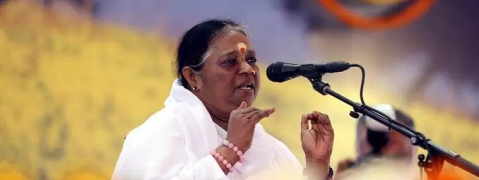 Amritanandamayi to provide 1 lakh to families of flood victims