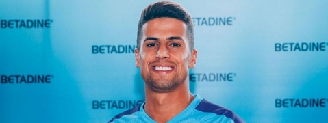 Man City signs Portuguese defender Cancelo from Juventus