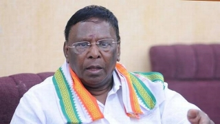 CM orders to remove banners erected on roads in Pondy