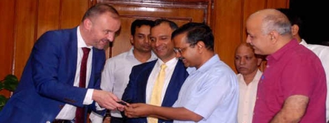 Kejriwal meets CM of ACT of Canberra Andrew Barr