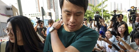 Hong Kong: Prodemocratic leader attacked