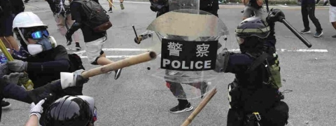 Water cannon vs Petrol bombs; Protesters clash with Police  in Hong Kong