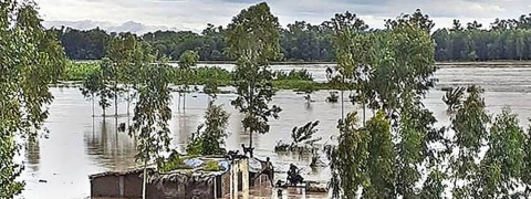 Flood threat once again looms large in river bank villages of Raichur