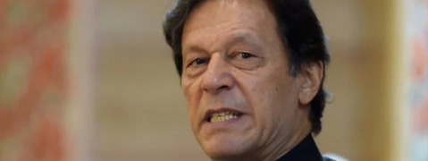 Defiant Imran Khan not to step down