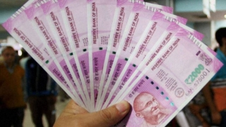 RBI stops printing Rs 2,000 denomination notes, reveals RTI