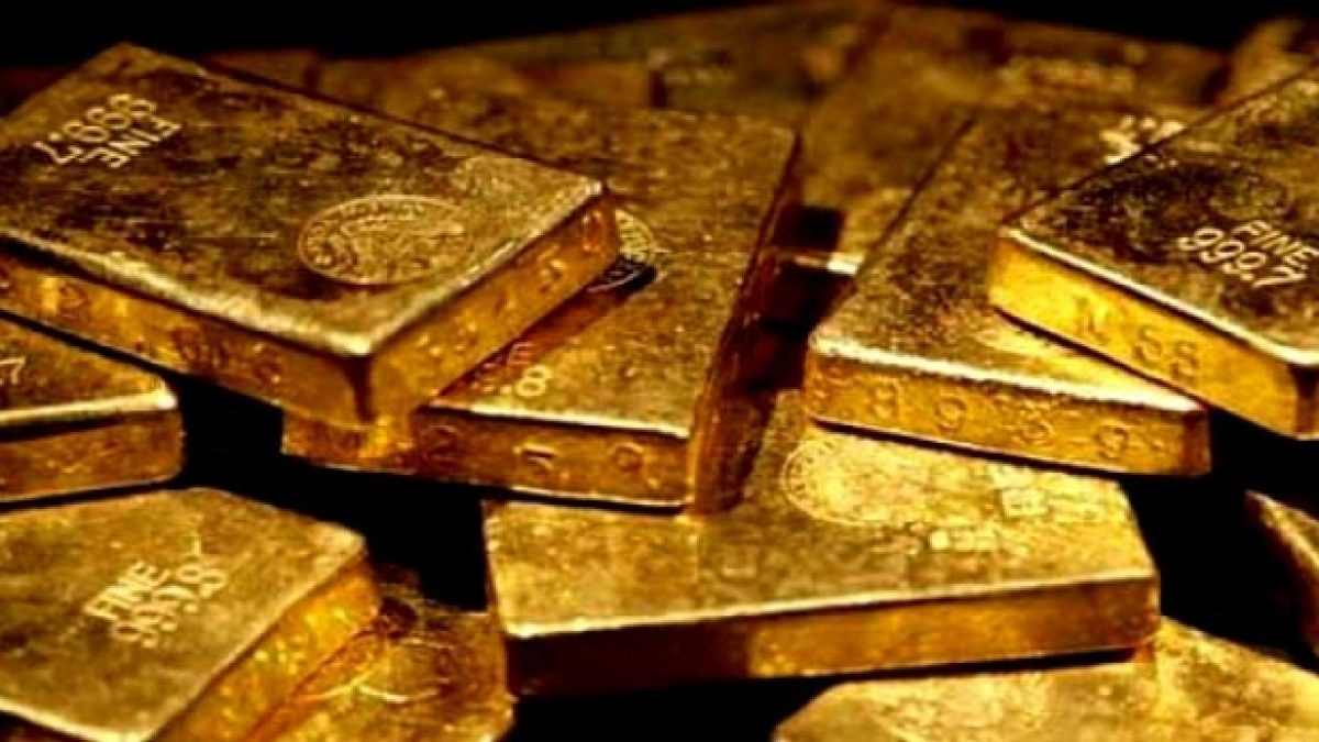 DRI sleuths seizes 5.5 kgs of gold worth Rs 2.33 crore, 3 held
