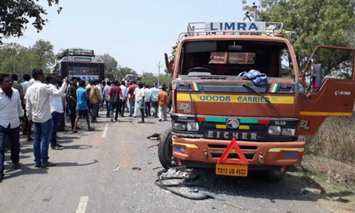 Five killed, 20 hurt as DCM van hit by TSRTC bus