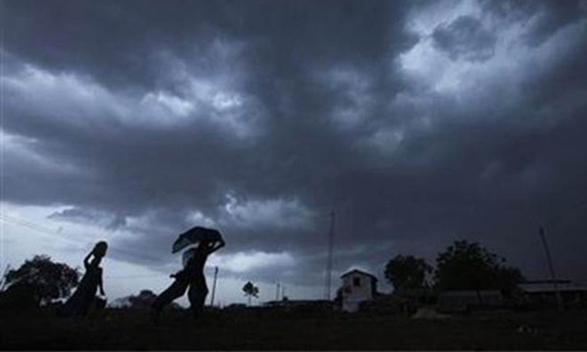 Thunderstorm along with lightning likely to occur in Telangana, AP : Met warns