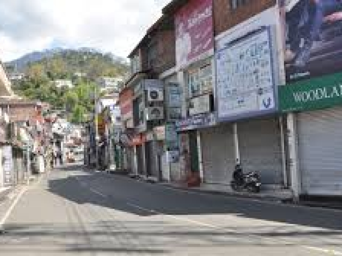 Curfew clamped on Himachal