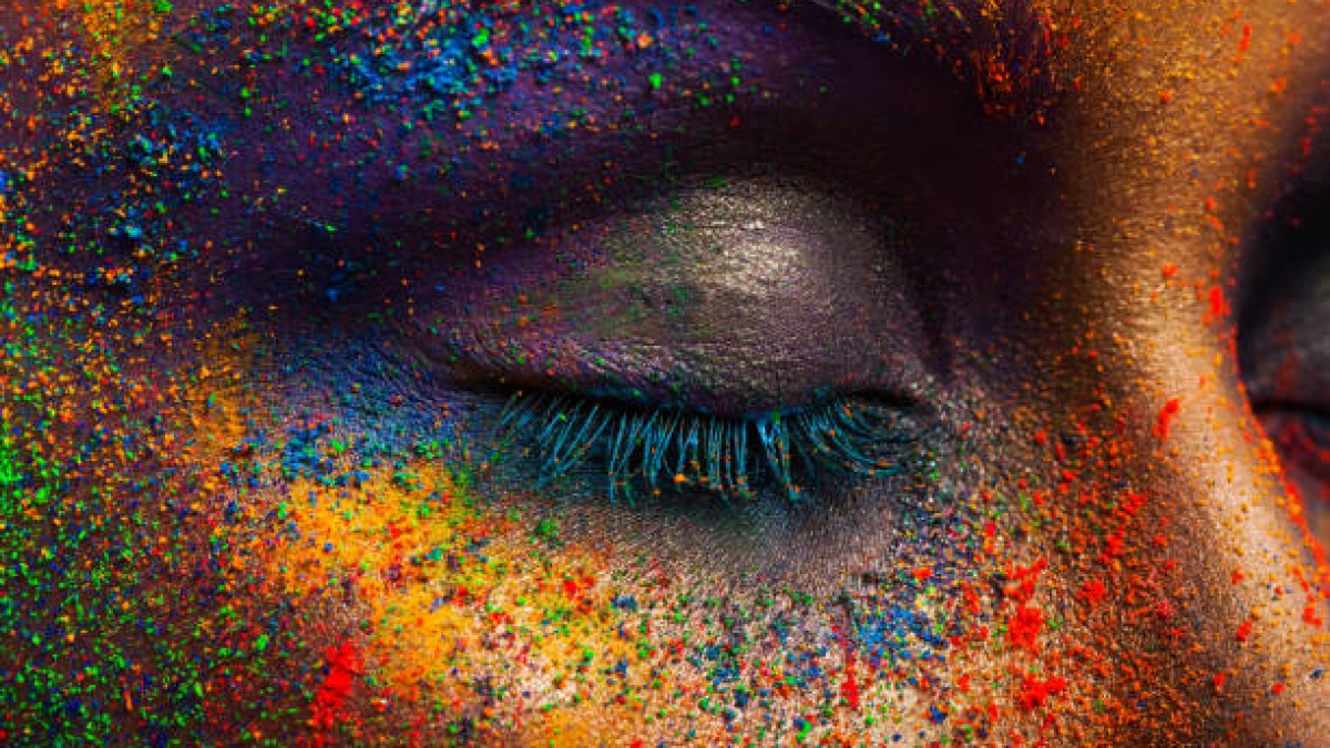Protect your eyes during Holi: Ophthalmologist
