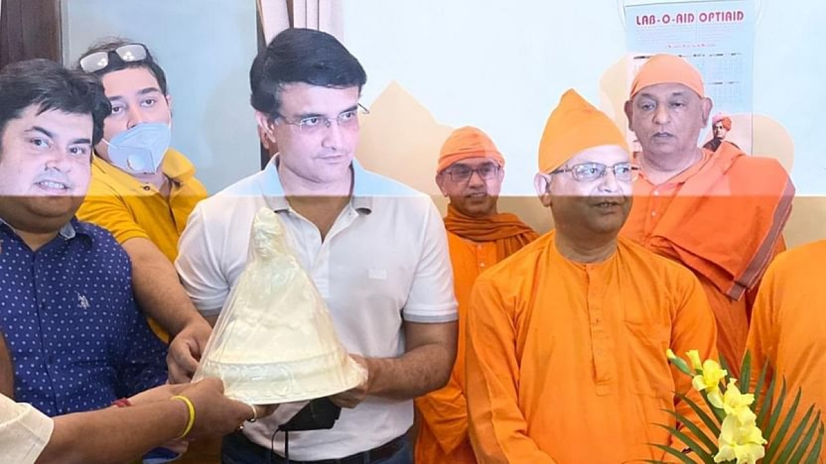 Sourav Ganguly donated 2,000 kg rice at Belur Math