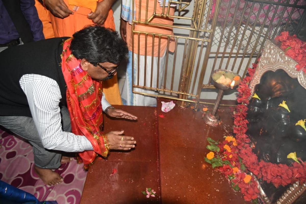 CM हेमंत सोरेन ने रजरप्पा महोत्सव का किया उद्घाटन, बोले- राज्य की आंतरिक शक्ति को मजबूत कर आगे बढ़ना है