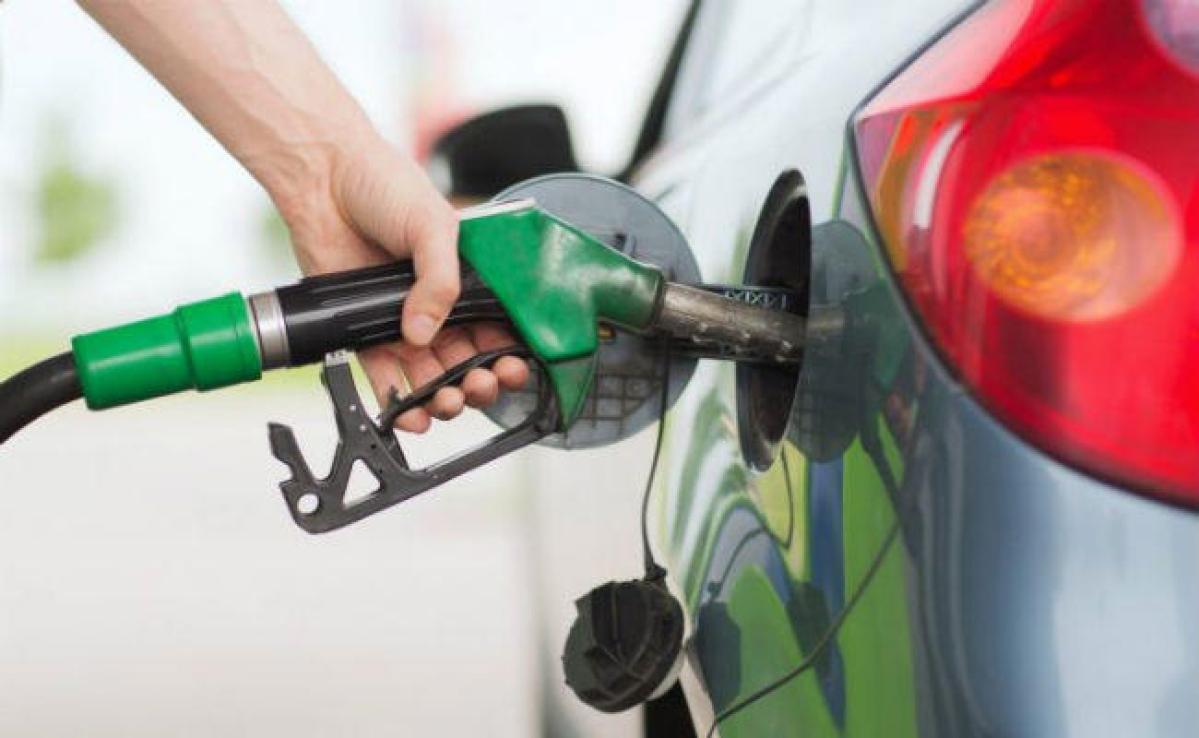Corona Effect : रोज 3.5 लाख के बदले एक लाख लीटर बिक रहा पेट्रोल
