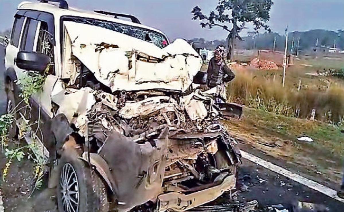 जामताड़ा : सड़क दुर्घटना में दो झाविमो नेता की मौत