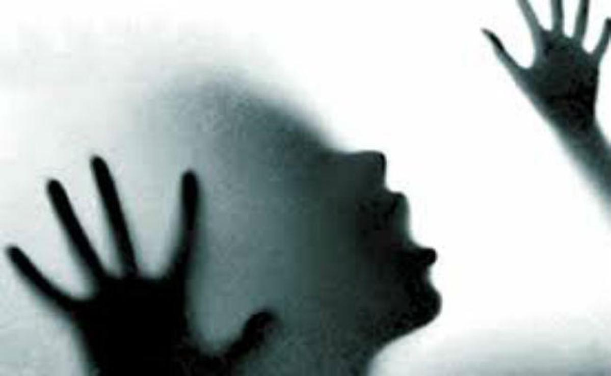 शर्मनाक: जिनकी जिम्मेदारी सुरक्षा की,उसी ने लूटी अस्मत, सुरक्षा बल के जवान पर रेप का आरोप