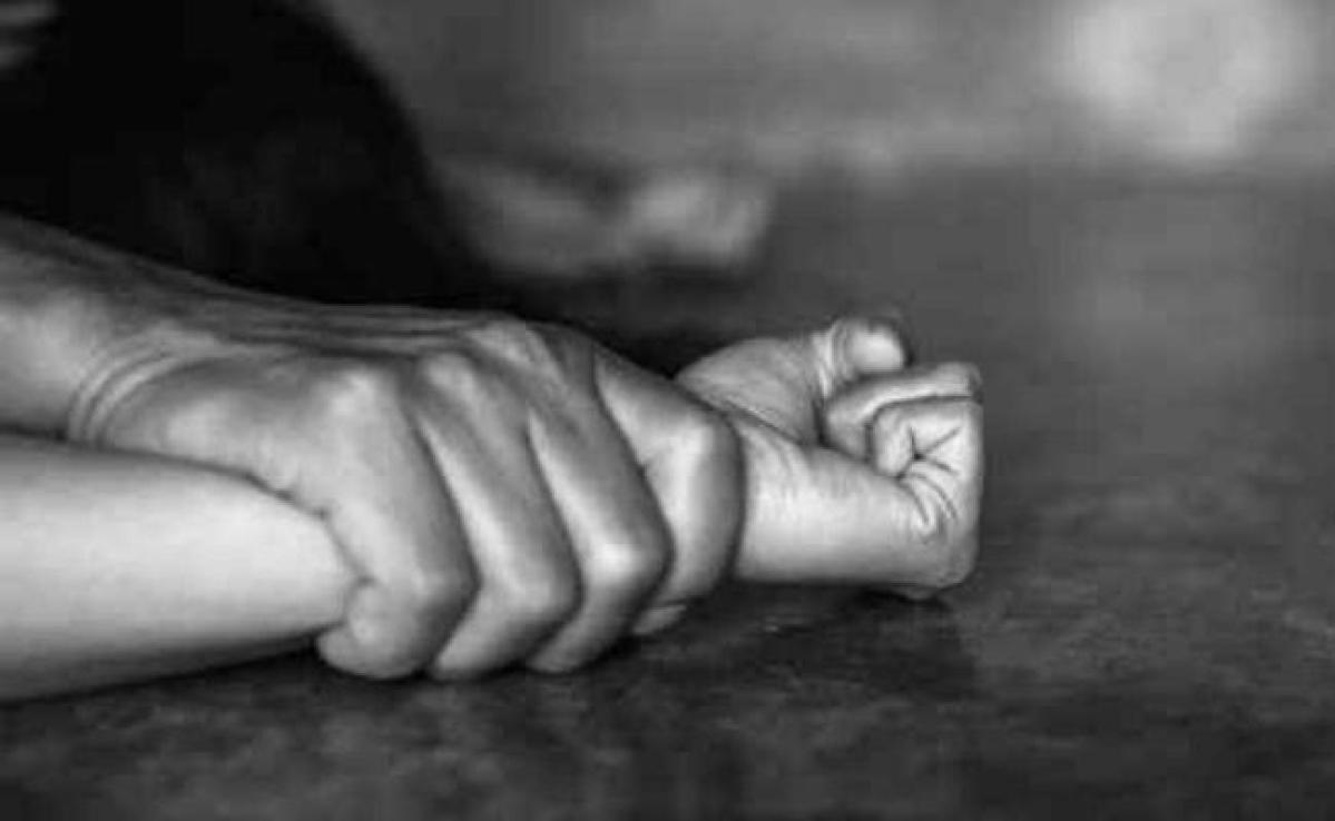 आठ वर्षीया बच्ची के साथ नाबालिग ने किया दुष्कर्म, आरोपित फरार