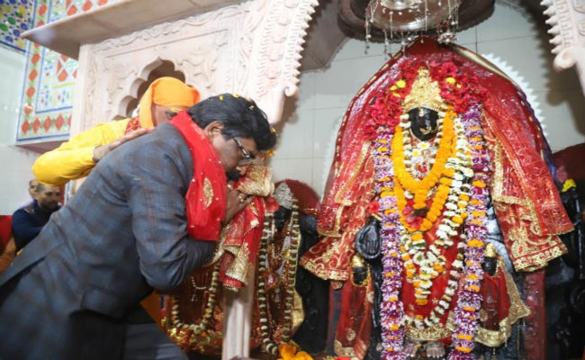 CM हेमंत सोरेन ने किया ईटखोरी महोत्सव का उद्घाटन, कहा- झारखंडवासियों के चेहरे पर मुस्कान दे मां भद्रकाली