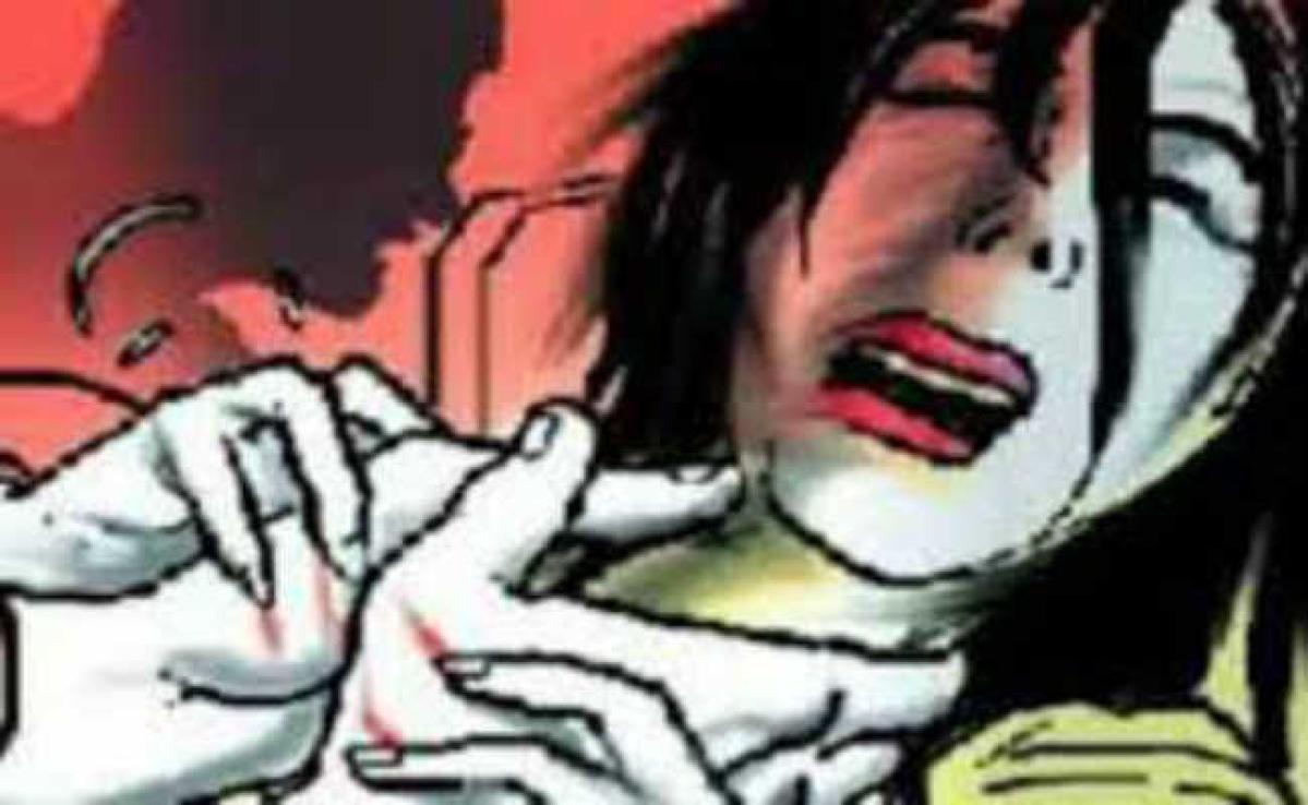 गला दबाकर विवाहिता की हत्या