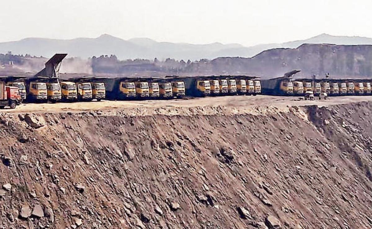 टंडवा : एशिया की सबसे बड़ी कोल परियोजना में लटका ताला, 1100 वर्कर बेरोजगार