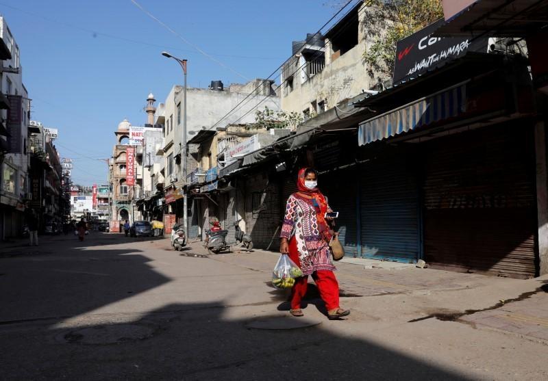 ভারতের অর্থনীতি নিয়ে আশার কথা শোনাচ্ছে না কেউ