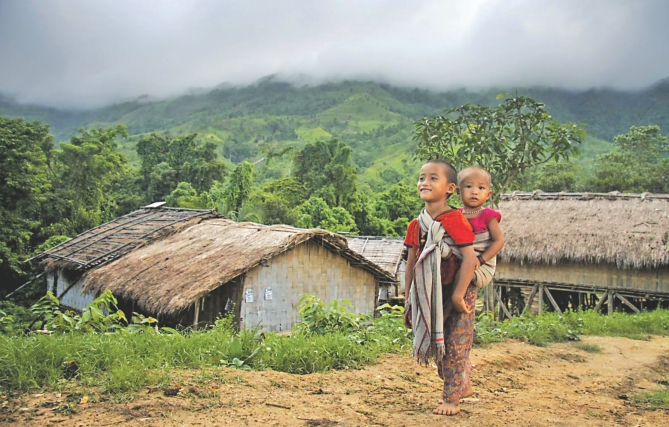পার্বত্য চট্টগ্রাম অঞ্চলে  সংখ্যাগরিষ্ঠের আধিপত্য