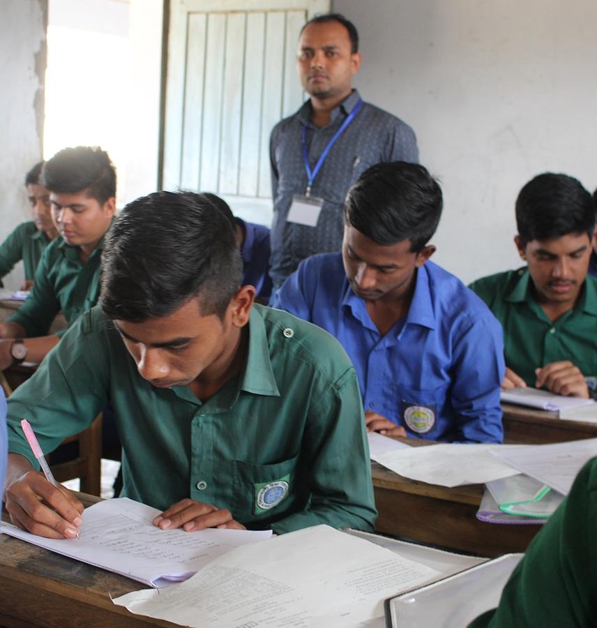 এসএসসি ও এইচএসসি পরীক্ষা পেছাচ্ছে: শিক্ষামন্ত্রী
