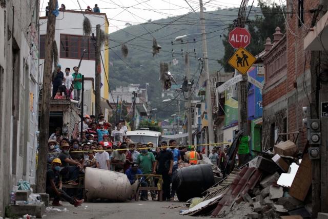 میکسیکو: شدید زلزلہ کے بعد مکیسیکو سٹی میں راحت اور بچاؤ کا کام سنبھالتے فوجی اہلکار