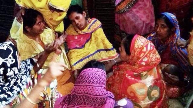 تصویر: رجستھان میں قتل کئے گئے افروز کے مغربی بنگال واقع گھر پر روتے بلکتے لواحقین
