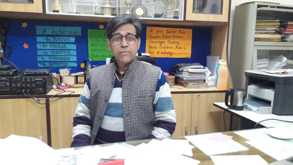 جامعہ سینئر سیکنڈری اسکول کے پرنسپل عبدالنصیب خان