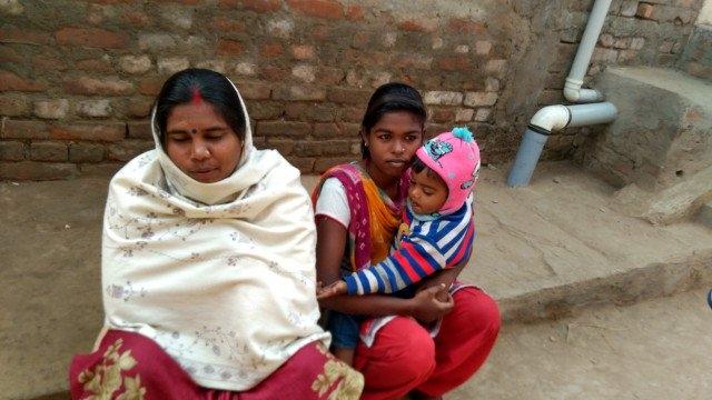 انجو اور ان کی بیٹی سمیت بیرون ملک میں کام کرنے والے ان کے شوہر پر بھی ایف آئی آر درج کیا گیا