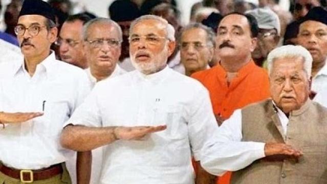 وزیر اعظم نریندر مودی آر ایس ایس شاخہ میں