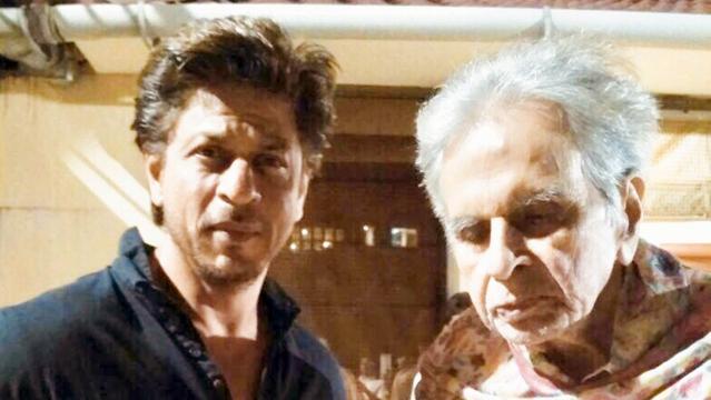 دلیپ کمار کی عیادت کرتے شاہ رخ خان