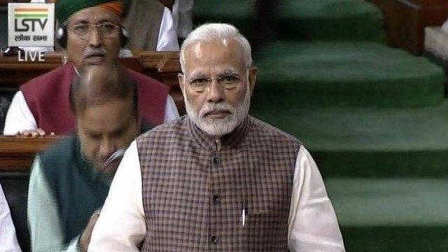 لوک سبھا میں تقریر کرتے ہوئے وزیر اعظم نریندر مودی