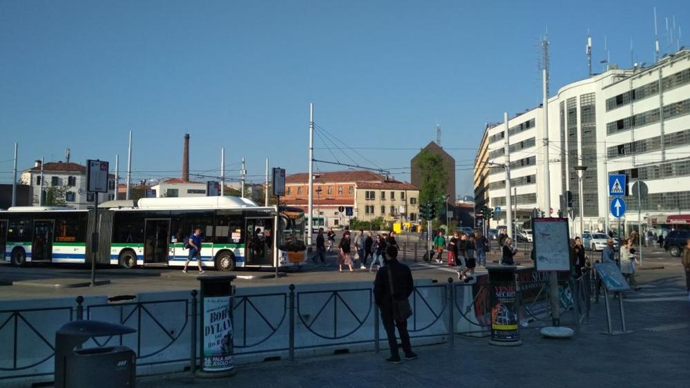 سفر نامہ: پانی میں تیرتا سیاحوں کا شہر وینس