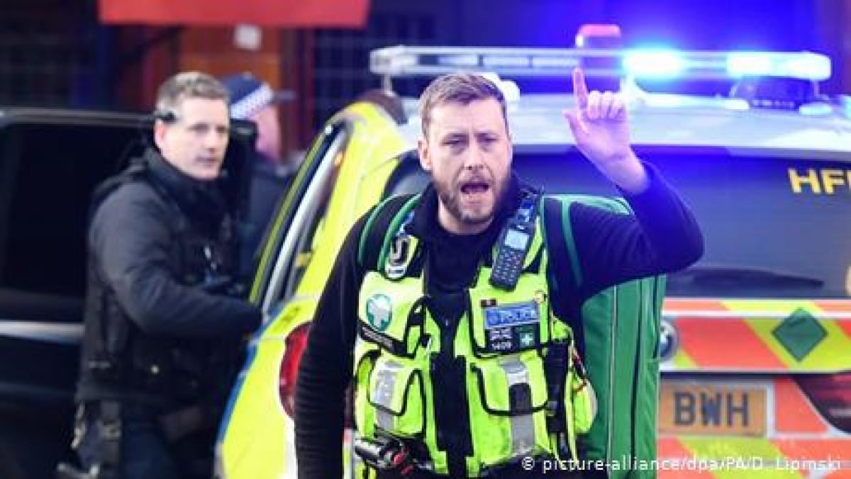 چاقو سے حملوں میں متعدد افراد زخمی، لندن برج بند کر دیا گیا
