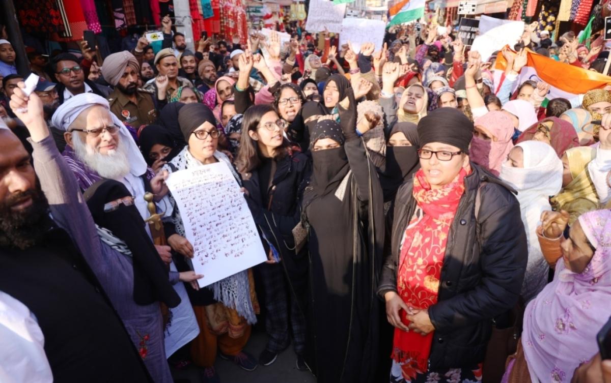 پنجاب کی خواتین نے اپنے 'خون' سے شہریت قانون کے خلاف لکھا 'عہد نامہ'