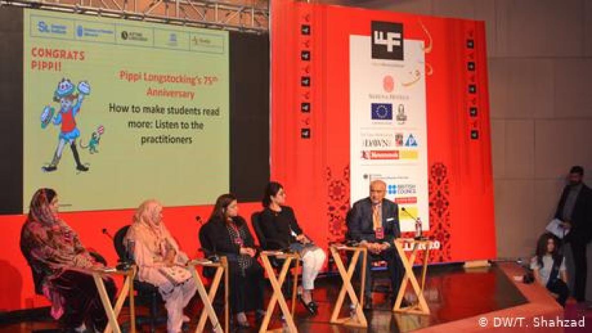 لاہور ادبی میلہ: بچوں میں کتابیں پڑھنے کا شوق کیسے پیدا کیا جائے؟