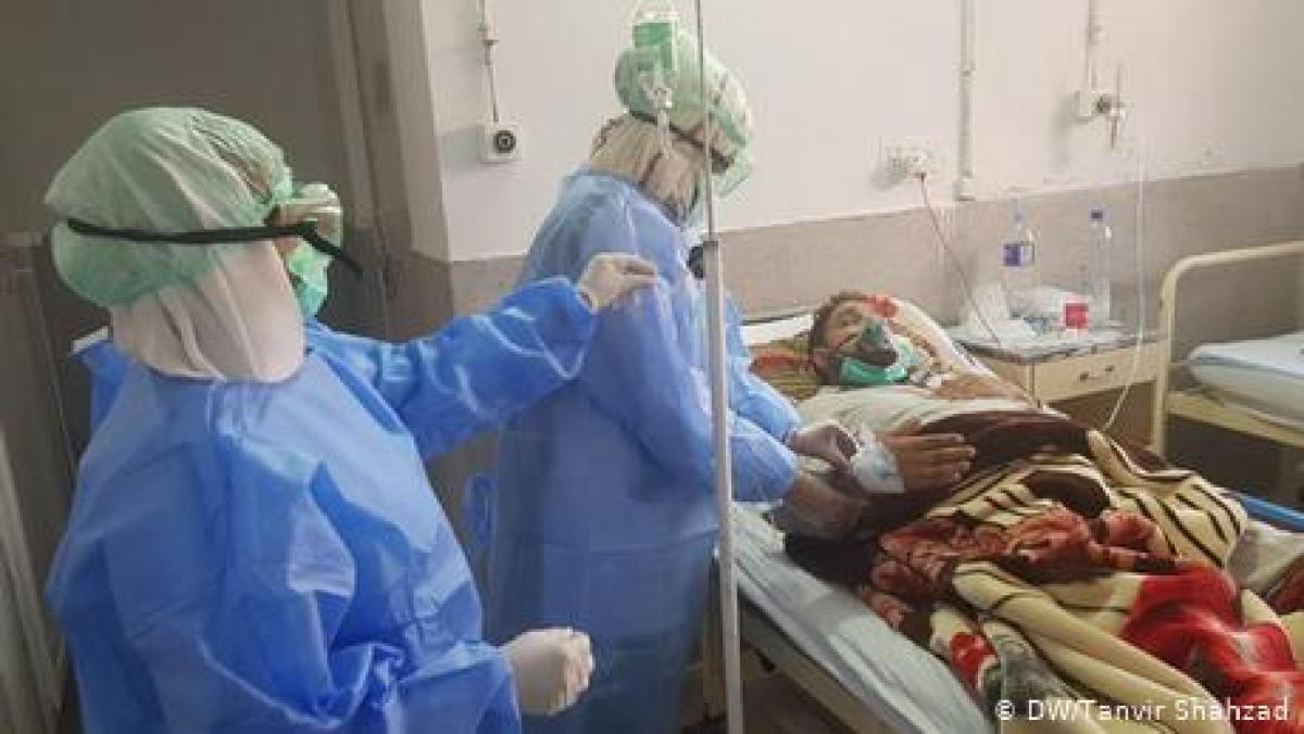 پاکستان: کورونا وائرس سے متاثرہ افراد کی تعداد میں اضافہ