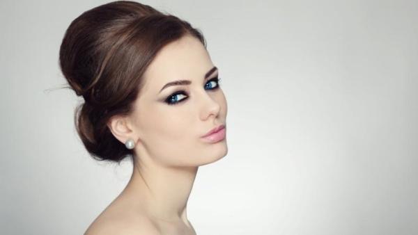 इन दिनों फेस-योगा (चेहरे का योग), चेहरे की खूबसूरती बढ़ाने के सबसे कामयाब तरीके के रूप में उभर रहा है.