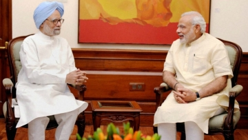 मनमोहन सिंह के  प्रधानंत्री नरेंद्र मोदी के फैसलों और दावों पर सवाल