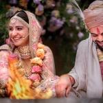 विराट कोहली और अनुष्का शर्मा शादी के बंधन में बंधे