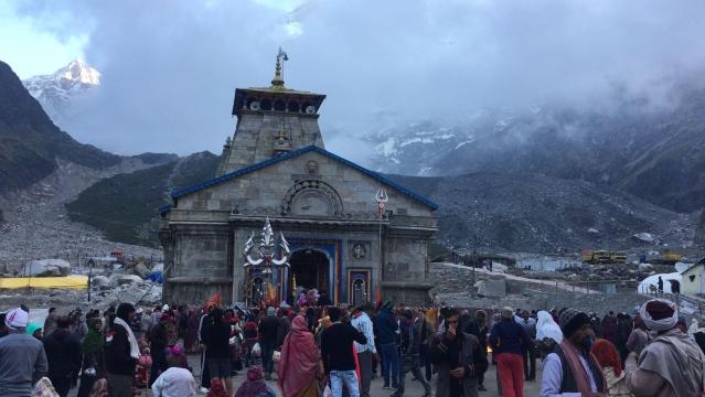 केदारनाथ: आपदा के बाद से मंदिर के आस पास काफी निर्माण कार्य चल रहा है