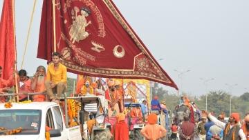 प्रयागराज में कुंभ  का आगाजः शाही अंदाज में हुआ संतो का नगर प्रवेश