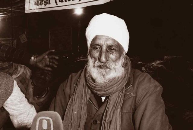 उत्तरप्रदेश के बरेल जिले के बहेरी गांव के जसवीर सिंह पर इस वक्त 10 लाख का कर्ज है.