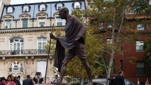 गांधी की मूर्ति घाना यूनिवर्सिटी ने हटाई, क्या भारत करेगा विरोध?