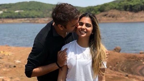 ईशा अंबानी और आनंद पीरामल 12 दिसंबर को शादी के बंधन में बंधने जा रहे हैं.