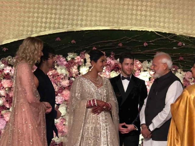 प्रियंका-निक के रिसेप्शन में पहुंचे PM मोदी