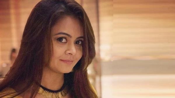 देवोलीना भट्टाचार्या साथ निभाना साथिया में गोपी बहू का किरदार निभाने के लिए मशहूर हैं.